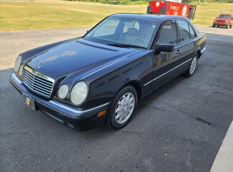 1997 Mercedes-Benz E300 300D