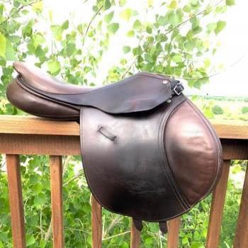 Stabilizer County Jump Saddle