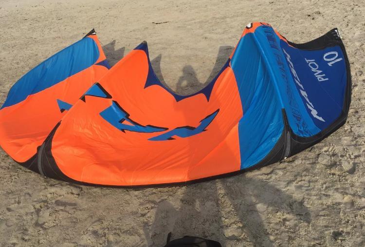 Naish Kite Pivot 2021 10er Super Condition
