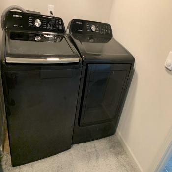 Samsung 7.4 CU FT Washer/Dryer