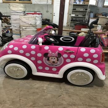 Minnie Mouse kid's car