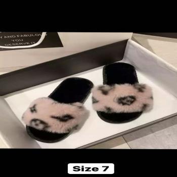 women's fur slides