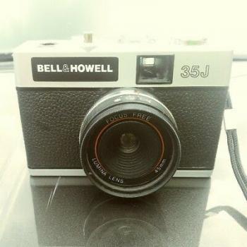 vintage bell&Howell camera eaf