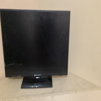 24 inch element tv