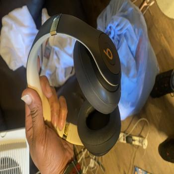 Dre beats studio 3's