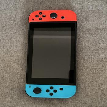 Nintendo switch w/ game