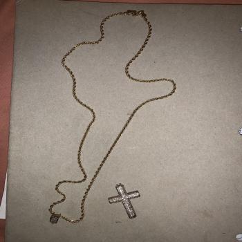 14k gold chain/ diamond cross