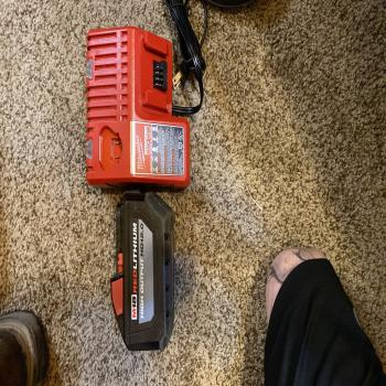 milwaukee 12.0 battery/charger