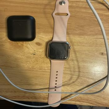 Apple Watch SE 44mm & airpods